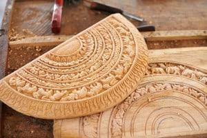 Holz Fräsen eines Tellers