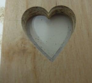 aus Holz gefrästes Herz