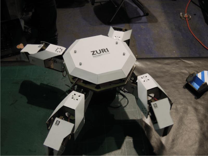 Roboter aus Papier